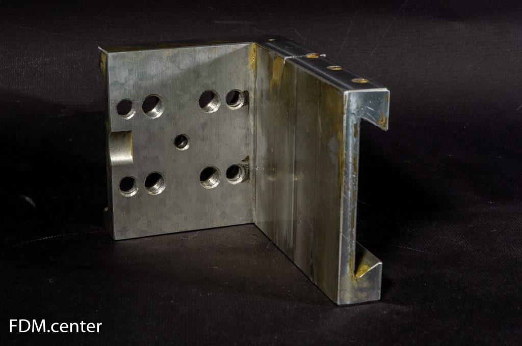 Кронштейн двигателя мебельного станка