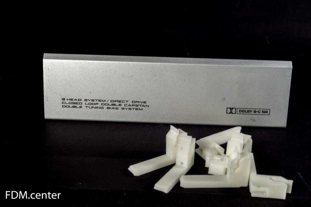 Крепление крышки магнитофона 3d печать